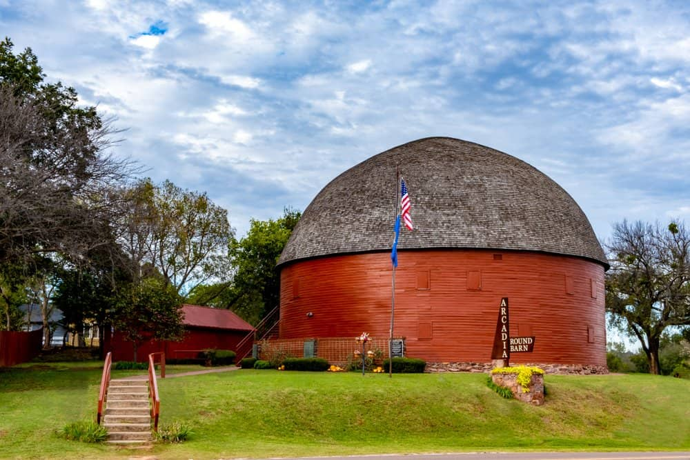USA - Oklahoma - Arcadia - Route 66 Famous Round Barn in Arcadia, OK - Built in 1910