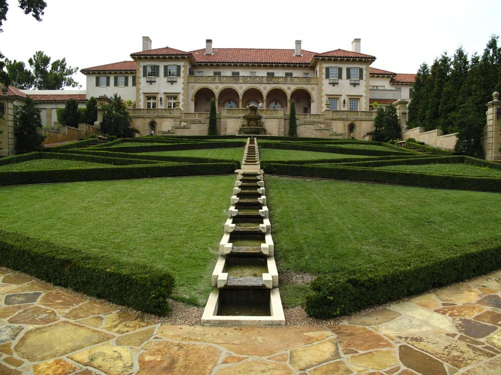 USA - Oklahoma - Back lawn of Philbrook Museum in Tulsa Oklahoma