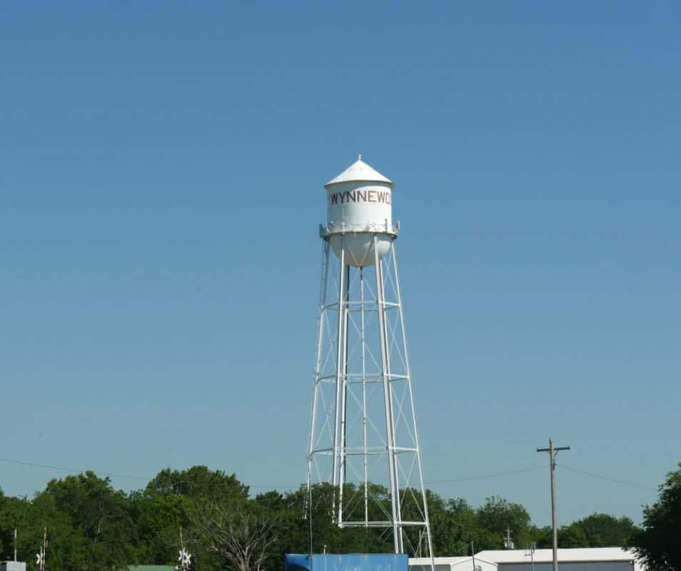 USA - Oklahoma -  Tall water tank in Wynnewwood, Oklahoma