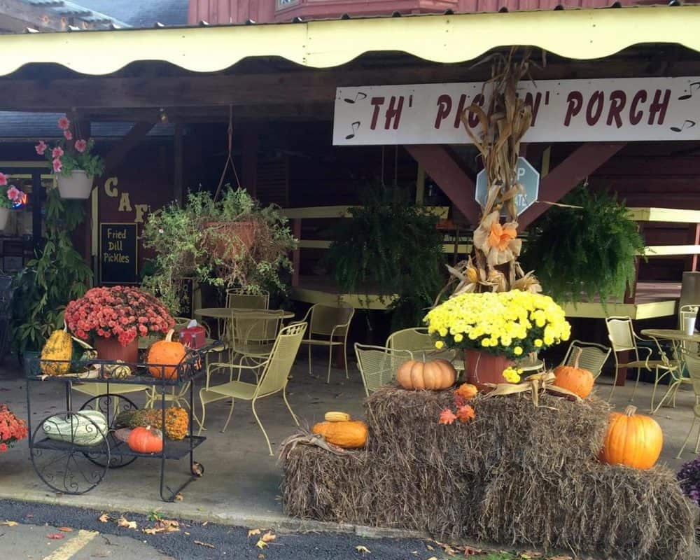 Arkansas - Pickles Gap Village
