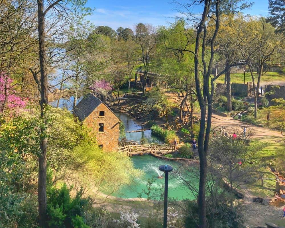 USA - Arkansas - The Old Mill, North Little Rock, Arkansas, US, Spring