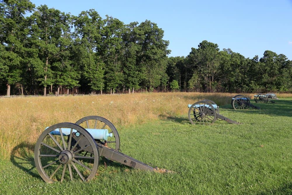 USA - Arkansas - Cannons ready at Pea Ridge