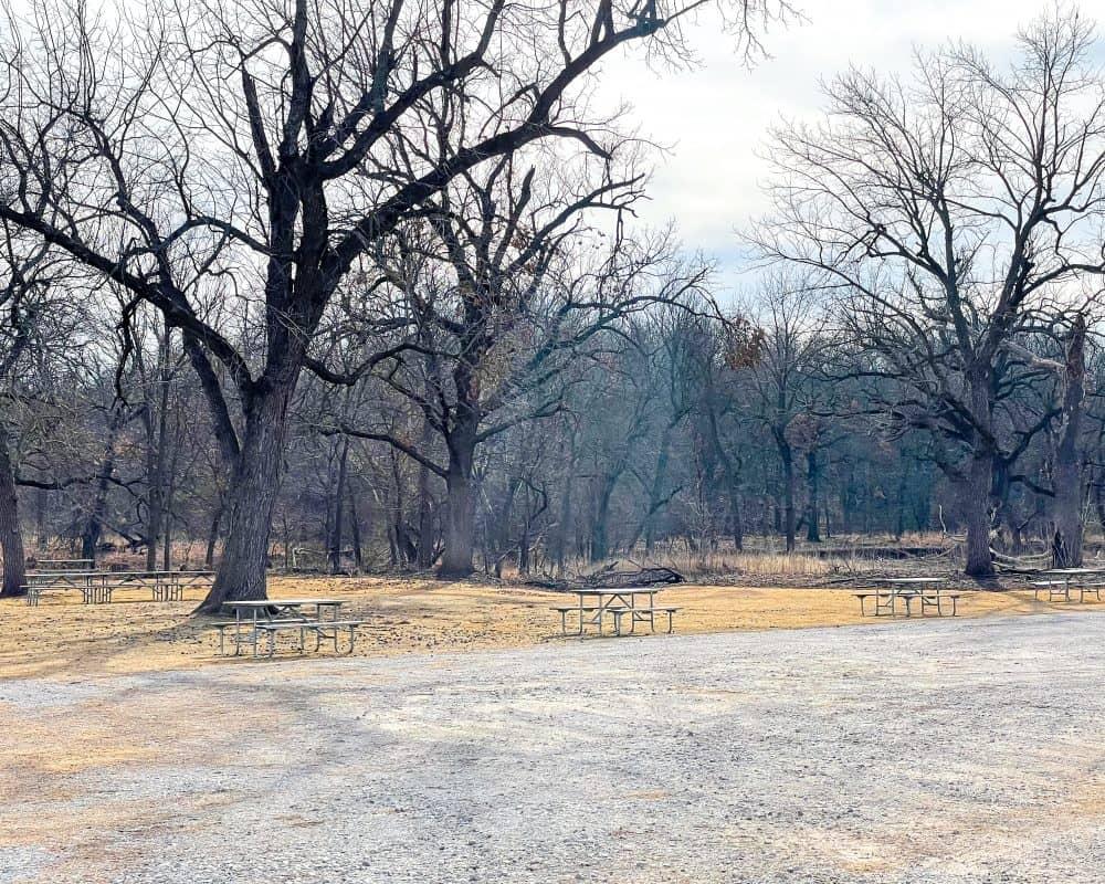 Oklahoma - Pawhuska - Tallgrass Prairie Preserve - Picnic tables