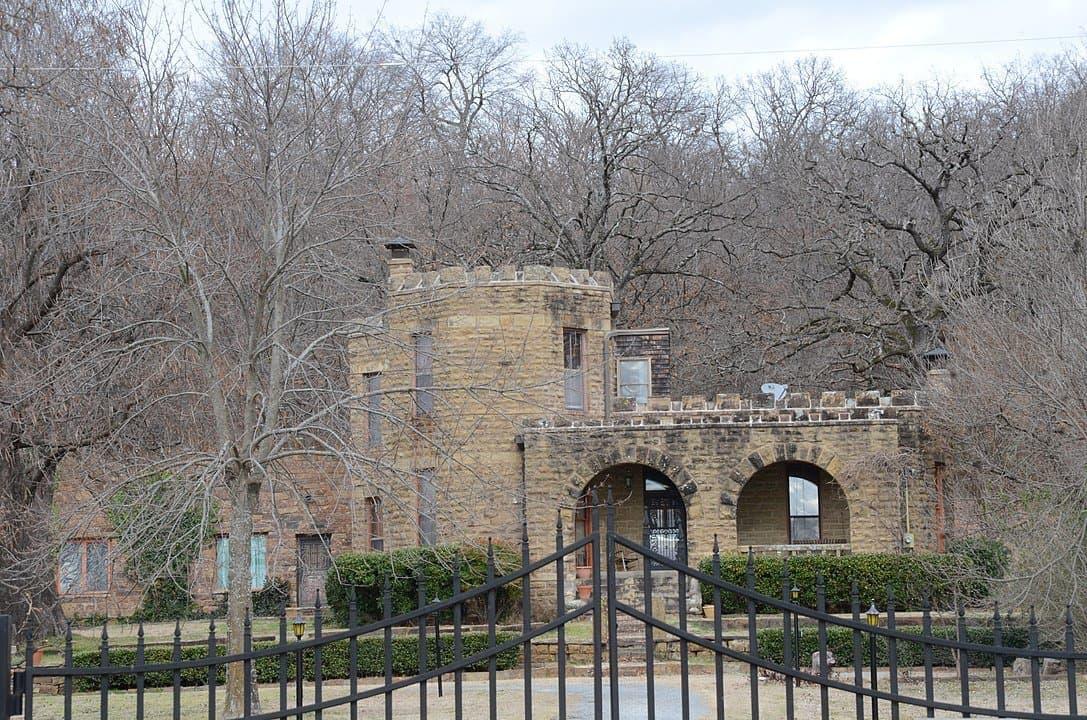 Oklahoma - Cameron - Reynolds Castle
