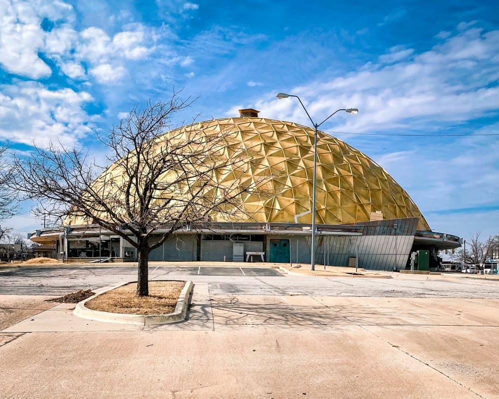 Oklahoma - Oklahoma City - Gold Dome on Route 66