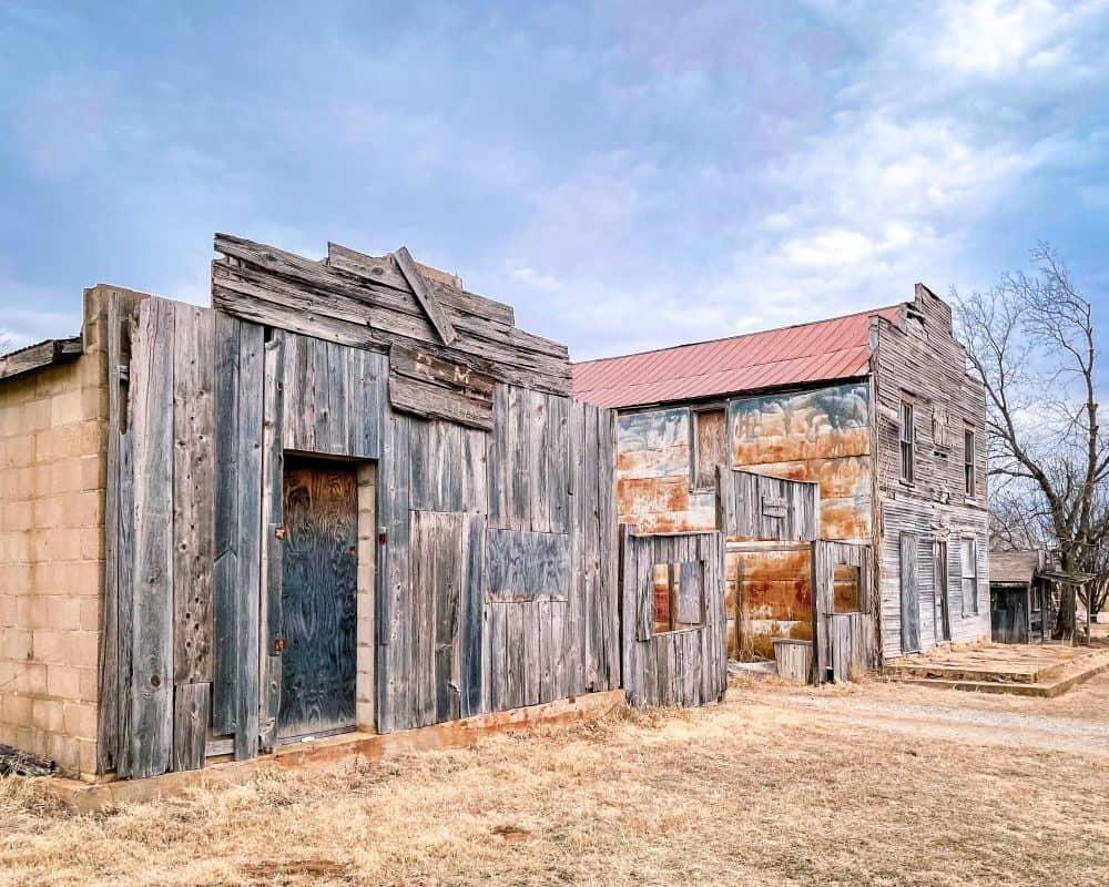 Oklahoma - Ingalls -Saloon