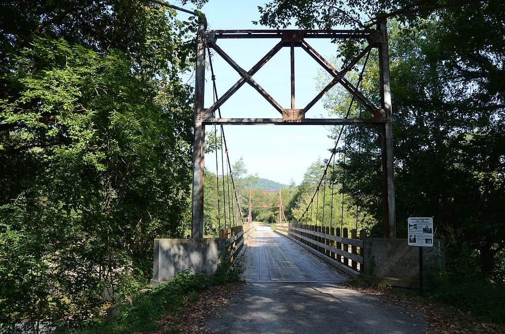 Arkansas - Mountain View - Sycamore Creek Swinging Bridge