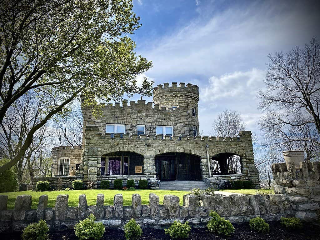 Missouri - Kansas City - Tiffany Castle