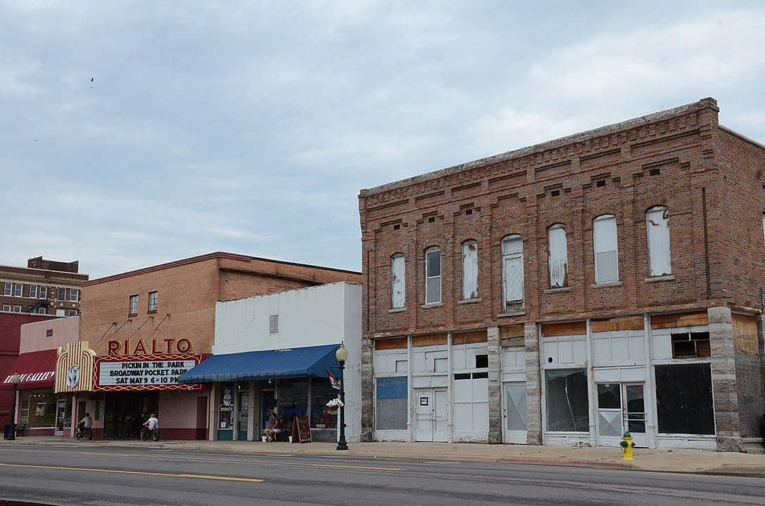 Arkansas - Morrilton - Downtown and Theater