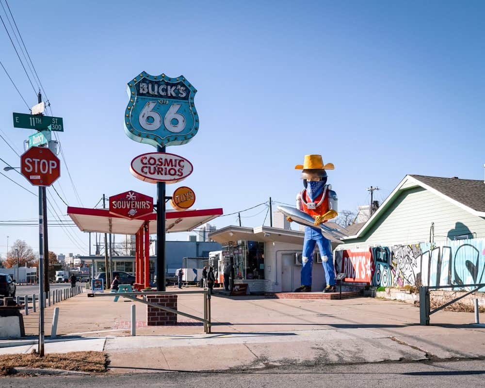 Oklahoma - Tulsa - Route 66 - Buck Atom - Buck's Cosmis Curios