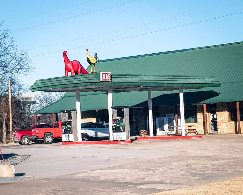 Oklahoma - Davis - Arbuckle Fried Pies Gas Station