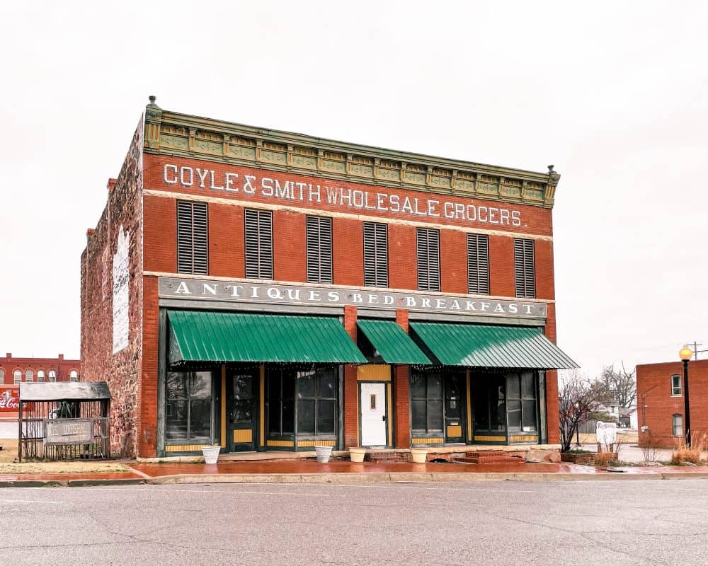 Oklahoma - Guthrie - Downtown Guthrie - Coyle & Smith Wholesale Grocers - Antiques Bed and Breakfast
