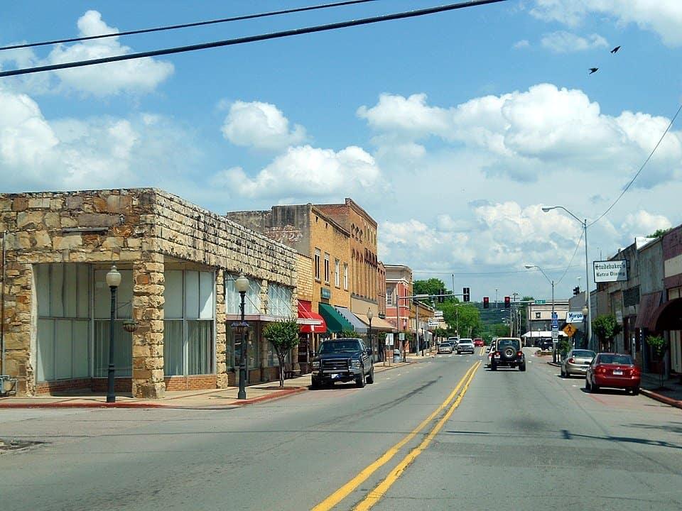 Arkansas - Ozark - Downtown