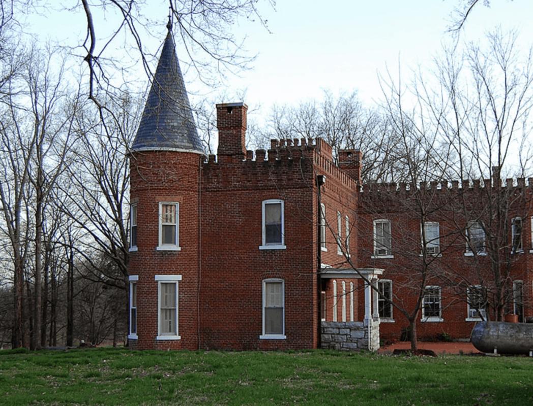 Missouri - Cape Girardeau - Elmwood Castle