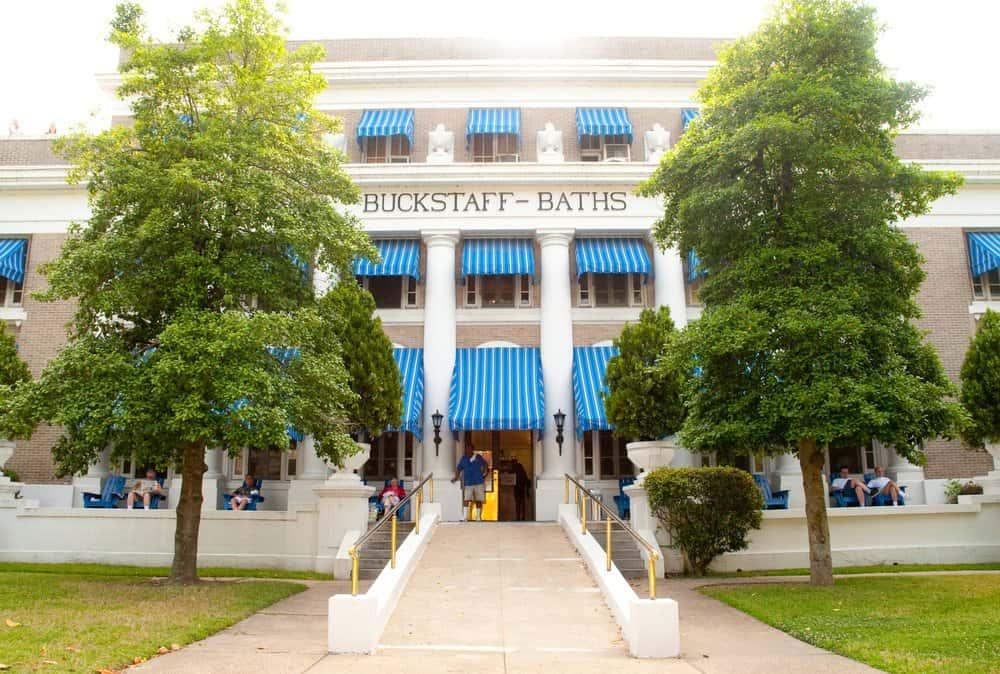 Arkansas - Hot Springs - Buckstaff Bath's visitor center