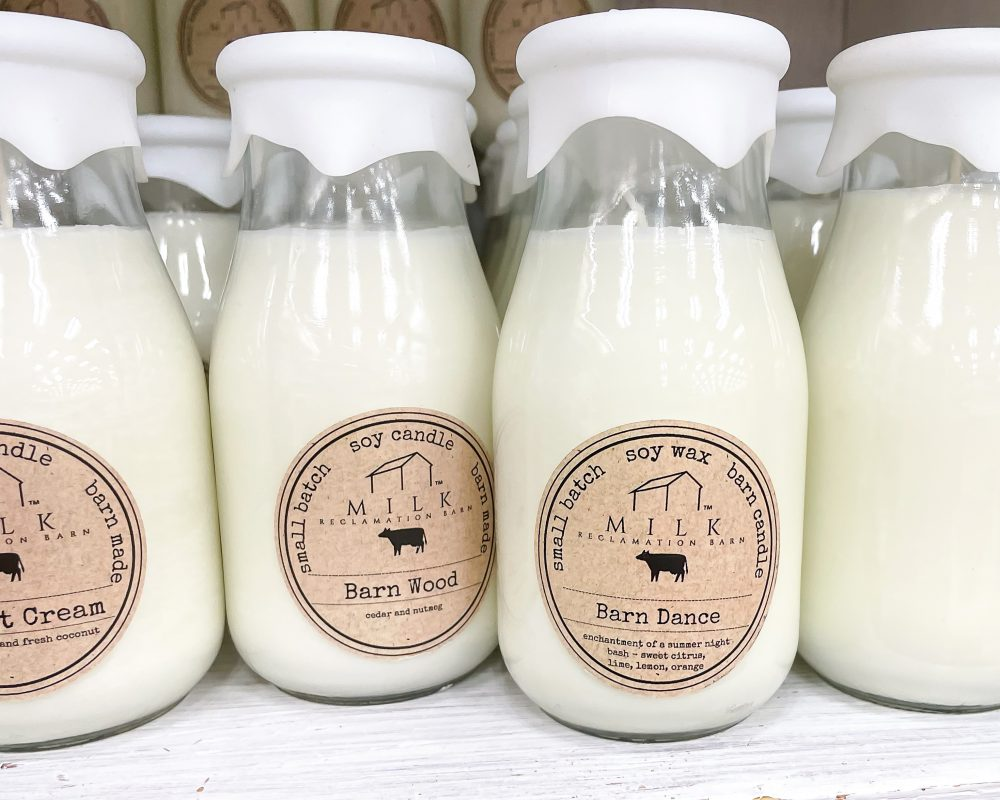 Texas - Temple - Buc-ee's Convenience Store and Gas Station - Barn Dance Candle