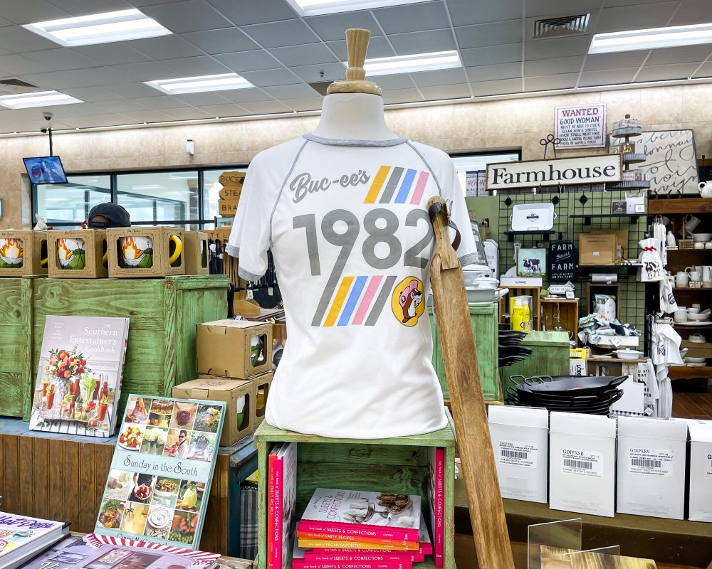 Texas - Temple - Buc-ee's Convenience Store and Gas Station - Buc-ee's 1982 T-Shirt