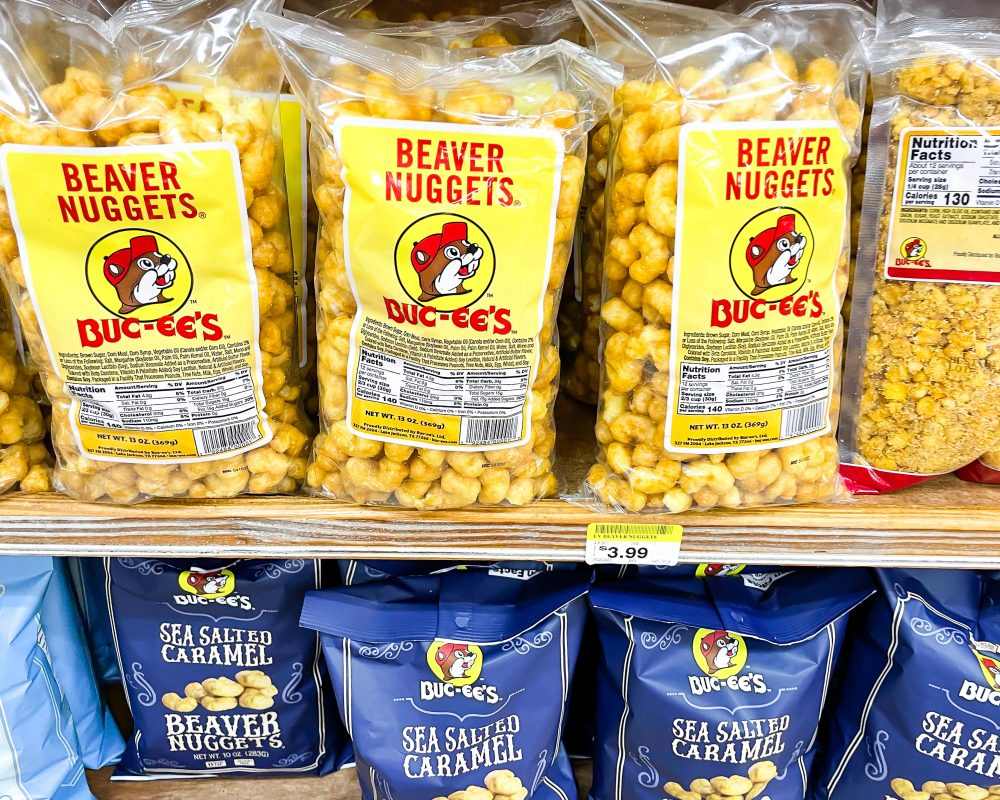 Texas - Temple - Buc-ee's Convenience Store and Gas Station - Buc-ee's Snacks - Beaver Nuggets Buc-ee's Nug-ees