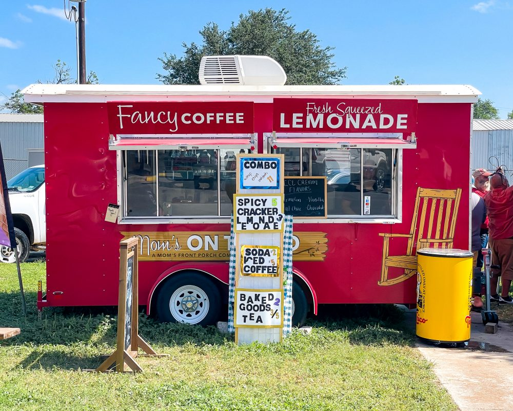 Texas - Luling - Downtown Luling - Watermelon Thump - Food Truck - Fancy Coffee and Fresh Squeezed Lemonade