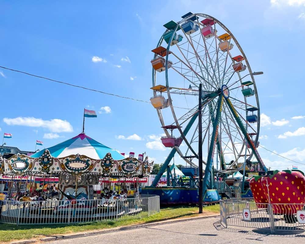 Texas - Luling - Watermelon Thump - Ferris Wheel - Carousel