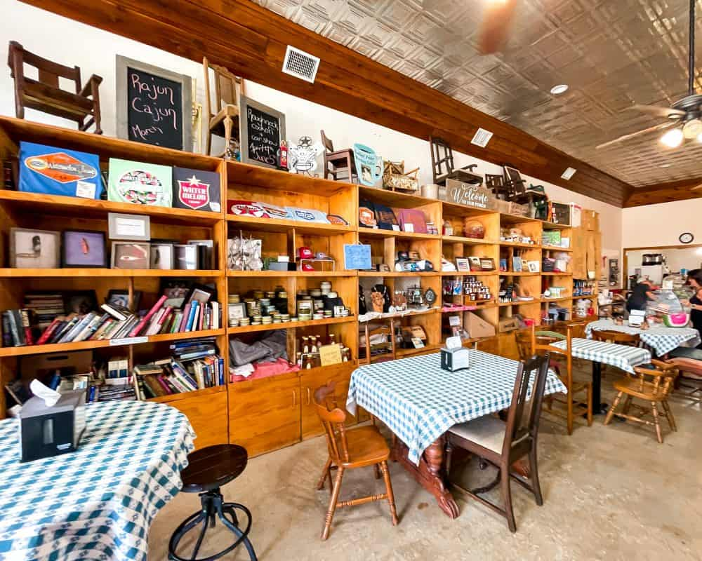 Texas - Luling - Mom's Front Porch - Luling Coffee Shops
