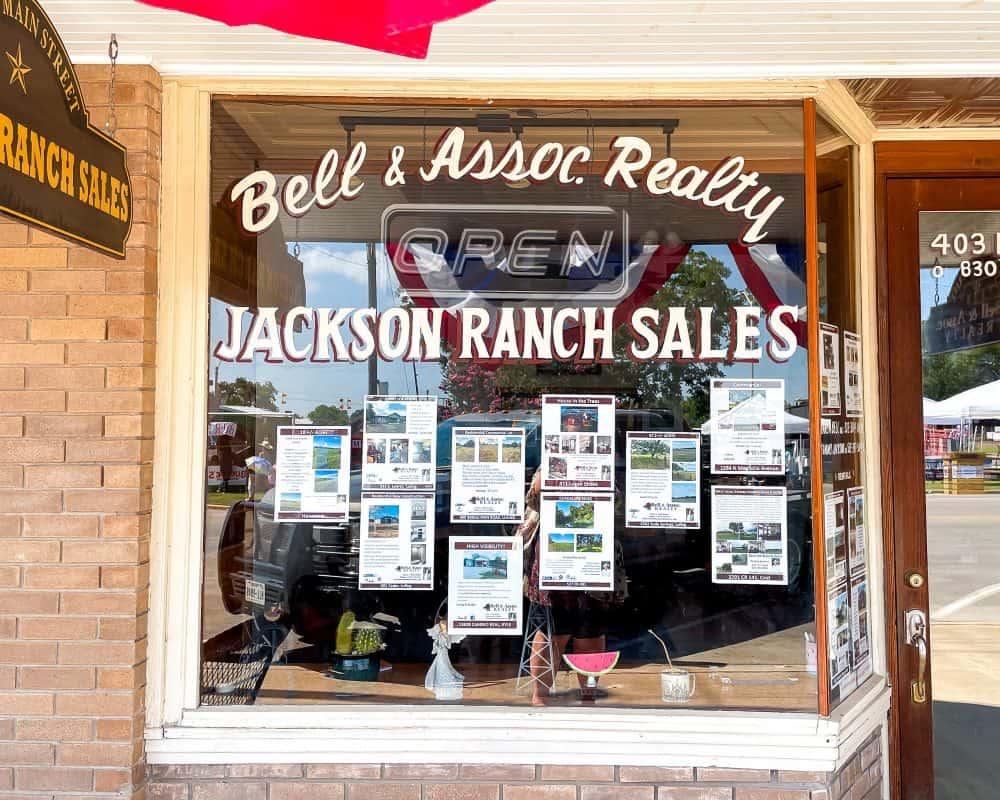 Texas - Luling - Main Street - Jackson Ranch Sales