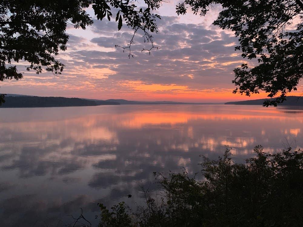 Beautiful,Sunrise,On,Lake,Maumelle,,Ar